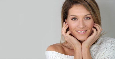 Có gì khác trong các bước chăm sóc da buổi sáng ở 20, 30 và 40 tuổi? ELLE VN