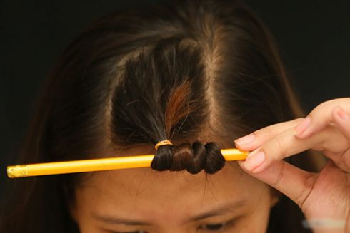 Sải bước tự tin đêm tất niên với các kiểu tóc xoăn đẹp tự làm tại nhà