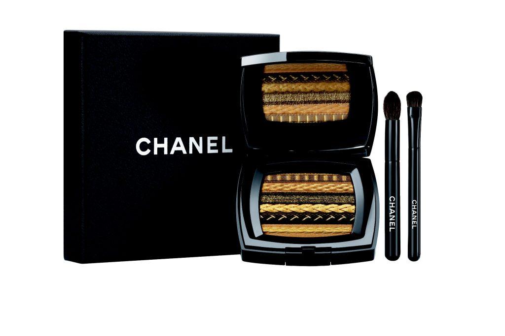 Hộp phấn mắt mang họa tiết vải tweed tuyệt đẹp của Chanel ELLE VN