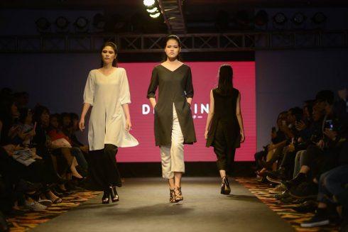 BST của DINH DINH đã lấy cảm hứng từ trang phục của người dân tộc vùng cao với chất liệu đũi.
