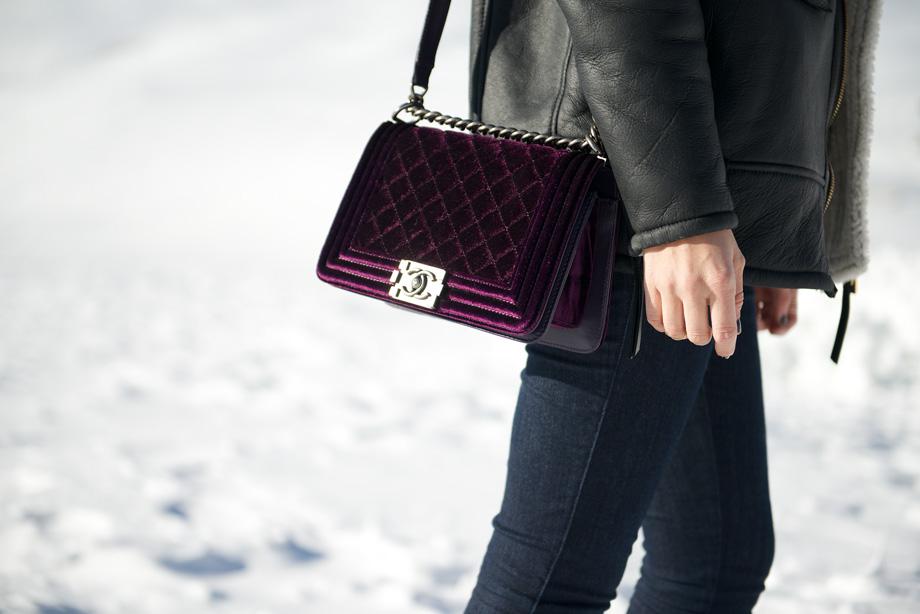 Vải nhung: Túi xách Chanel