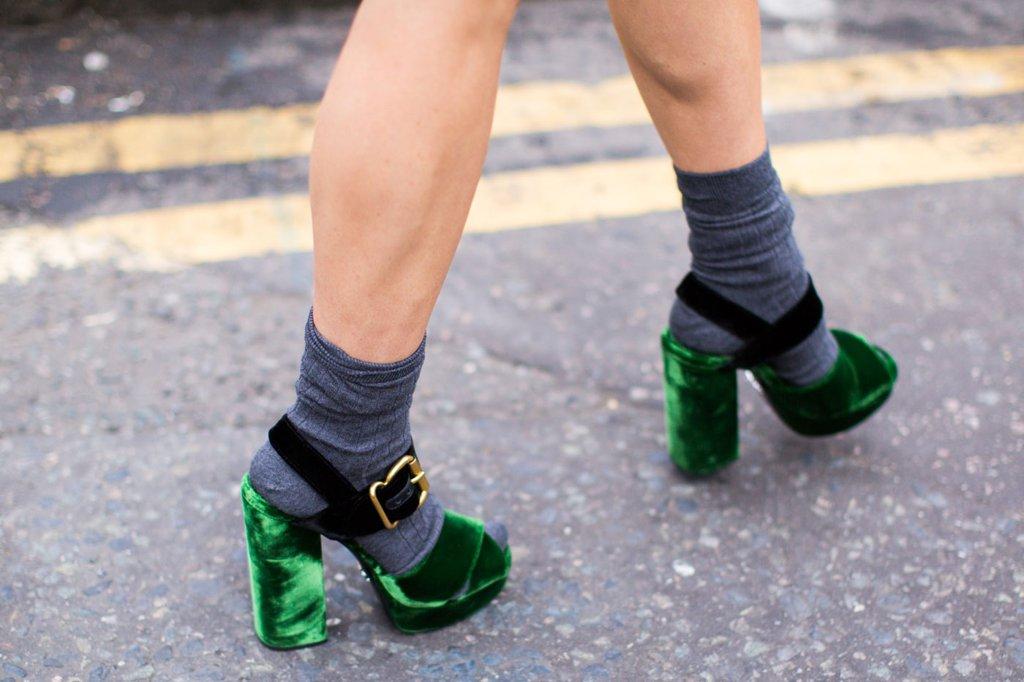 Vải nhung: Giày cao gót