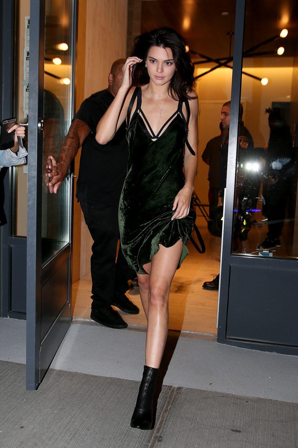 Vải nhung: Thời trang Kendall Jenner