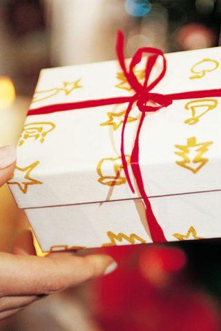 Những món quà Giáng sinh ngập sắc hồng từ Lancôme