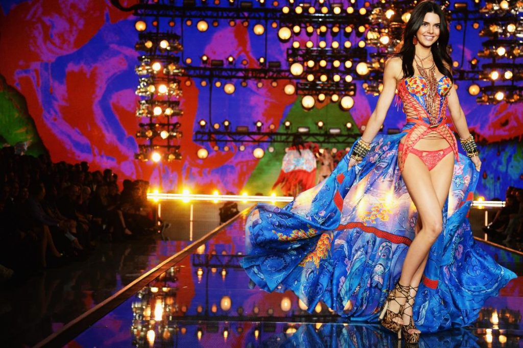 Victoria's Secrect Fashion Show: nỗ lực của Adriana Lima