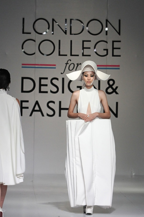 Trải nghiệm thiết kế tại Học viện thiết kế và Thời trang London