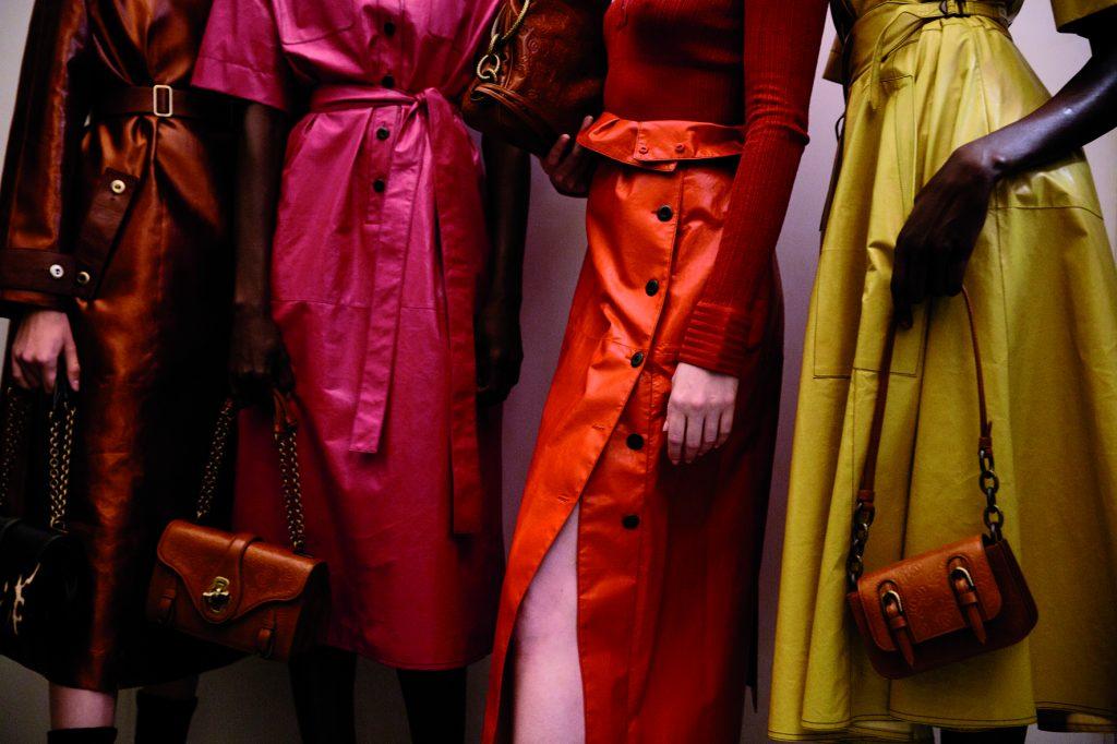 Bottega Veneta thông báo hai show diễn kết hợp nam và nữ thường niên - 01
