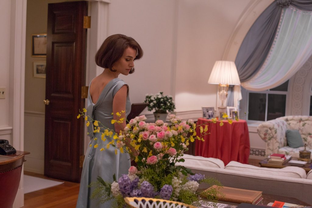 Thời trang trong phim: Jackie - ELLE VN