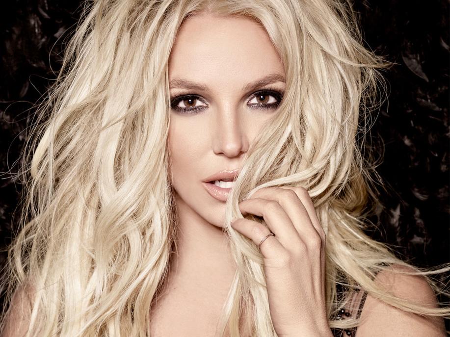 Nếu muốn quay lại showbiz, hãy quay lại như Britney Spears