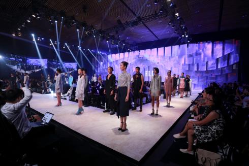 collection từ thiện cho elle fashion show 2016