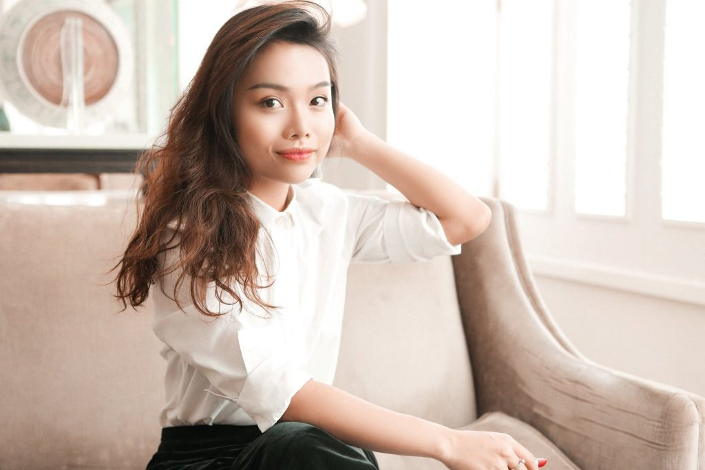 """Tư vấn riêng cùng beauty blogger tại ngày hội """"Lạc trong men hoa"""" ELLE VN"""