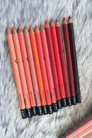 Top 8 cây son bút chì rực rỡ sắc màu