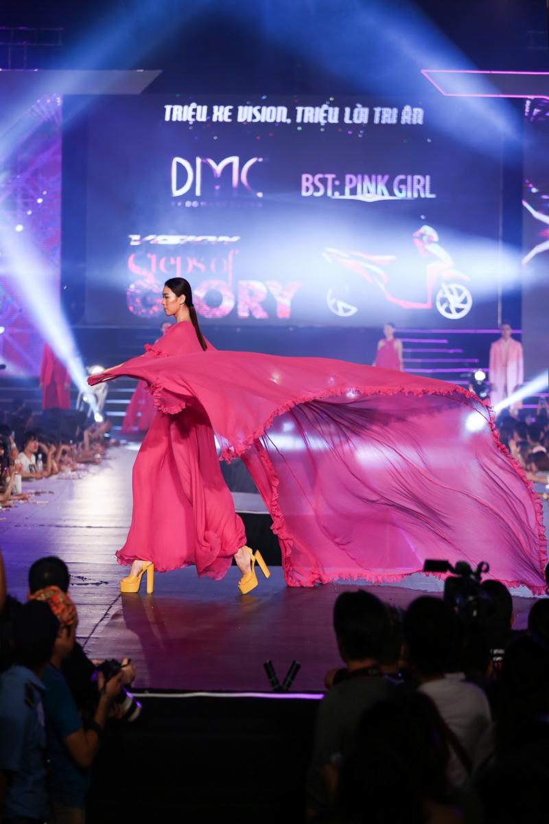"""6 xu hướng thời trang làm giới trẻ Hà Thành """"phát cuồng"""" bước ra từ lễ hội """"VISION – Steps Of Glory"""" - 07"""