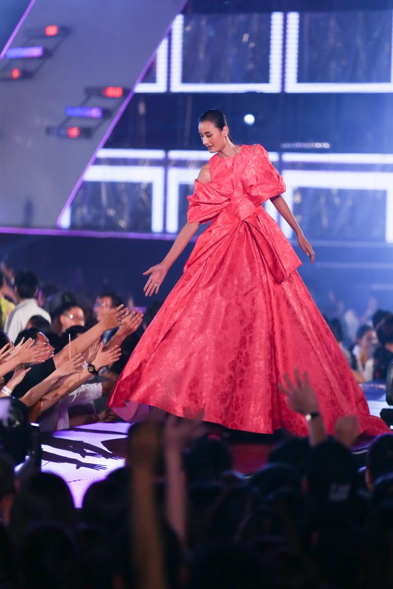 """6 xu hướng thời trang làm giới trẻ Hà Thành """"phát cuồng"""" bước ra từ lễ hội """"VISION – Steps Of Glory"""" -14"""