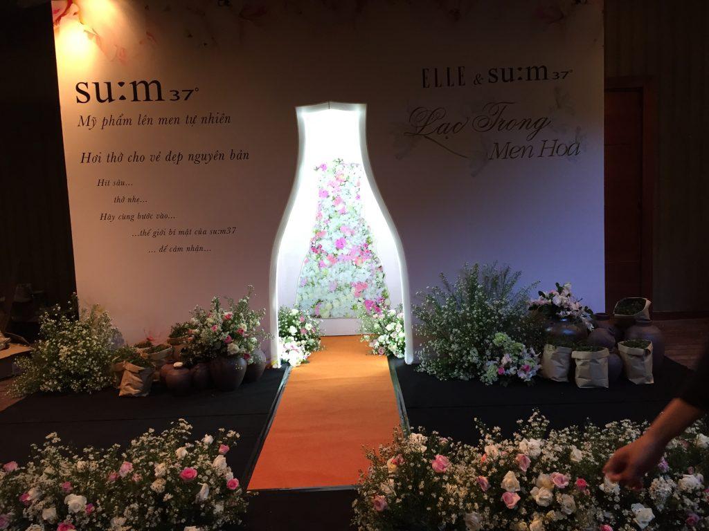 """Toàn cảnh ngày hội """"Lạc trong men hoa"""" của su:m37 dành cho phái đẹp tại TP.HCM ELLE VN"""