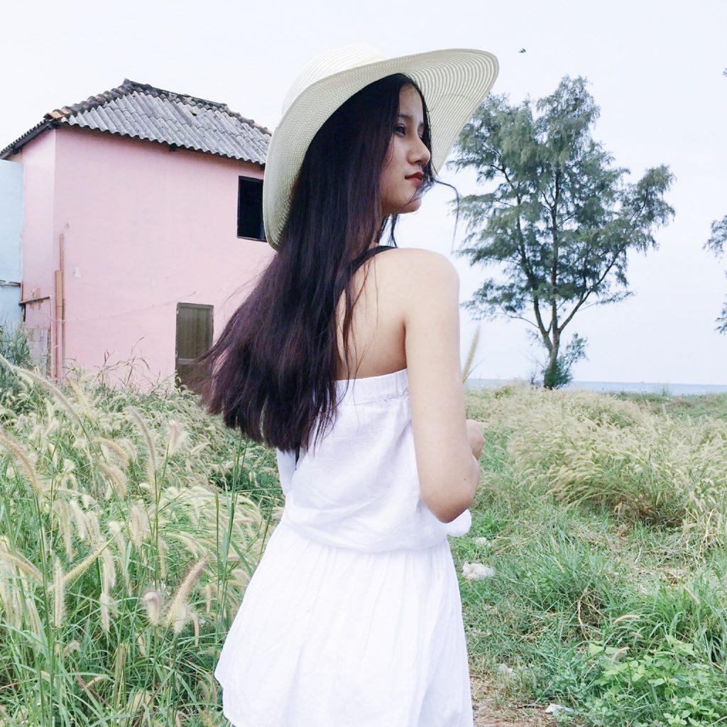 Quán quân Vietnam's Next Top Model – người quyến rũ gợi cảm, người thanh thoát tinh khôi khoe dáng trên bãi biển - 02