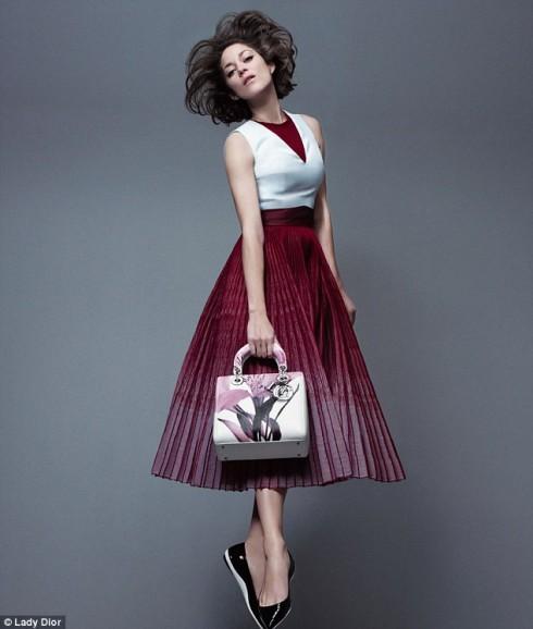 Nữ diễn viên Marion Cotillard trong chiến dịch quảng bá của Dior.