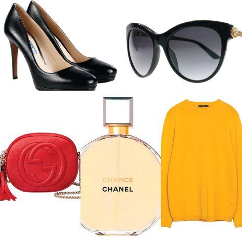 Những món đồ thời trang yêu thích Áo len màu vàng big size, Giày cao gót đen Prada Túi Gucci, Mắt kính Versace