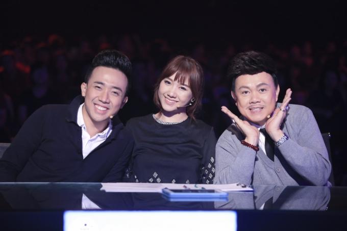 Trấn Thành và Hari Won trong chương trình Biến hóa hoàn hảo.