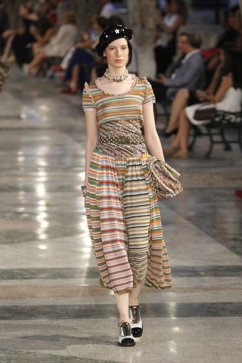 chanel-cruise-2017-ky-nghi-nhiet-doi-8