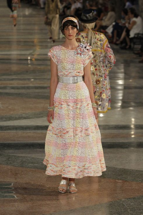 chanel-cruise-2017-ky-nghi-nhiet-doi-9