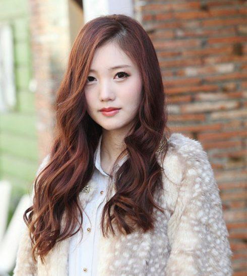 Các kiểu tóc uốn đuôi cho mái tóc dài thêm sức sống ELLE VN