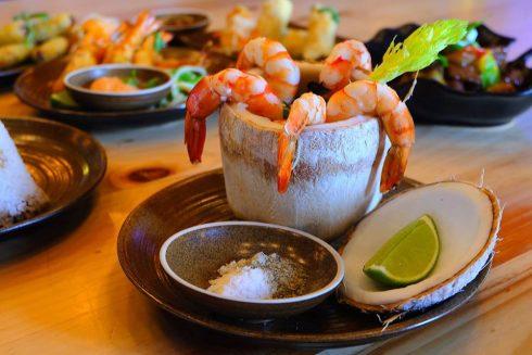 Bên cạnh các món ăn truyền thống ngày Tết, trong Bữa cơm sun vầy, bạn có thể thưởng thức nhiều món ăn ngon khác.