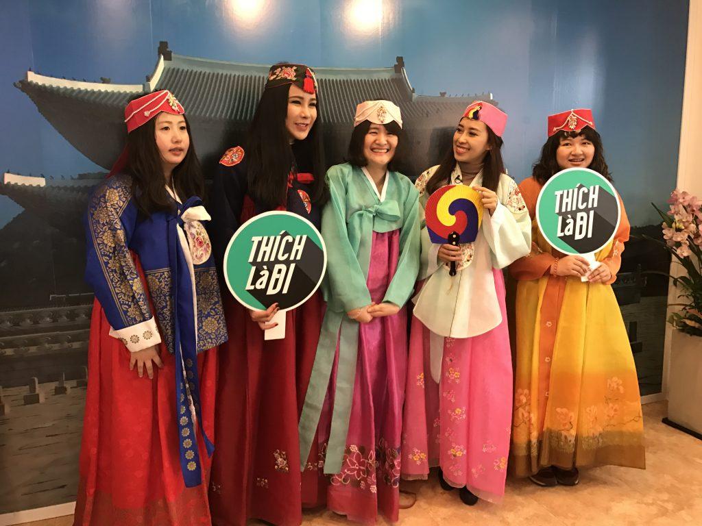 Én Vàng Phụng Yến và Diệp Lâm Anh: Mùa đông Hàn Quốc cực kỳ thú vị! - 01