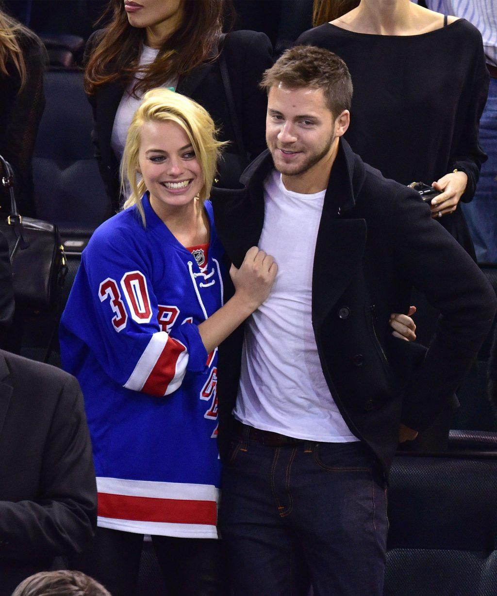 Nữ diễn viên Margot Robbie và bạn trai.