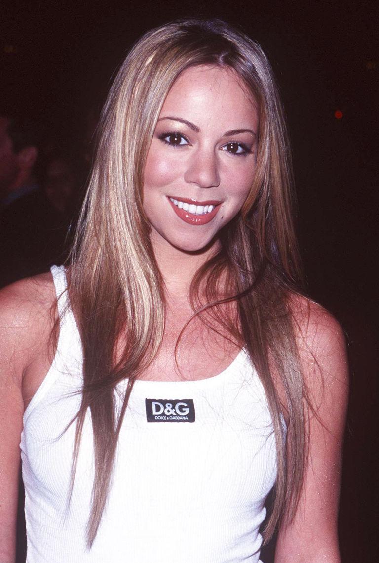 Mariah Carey với mái tóc duỗi
