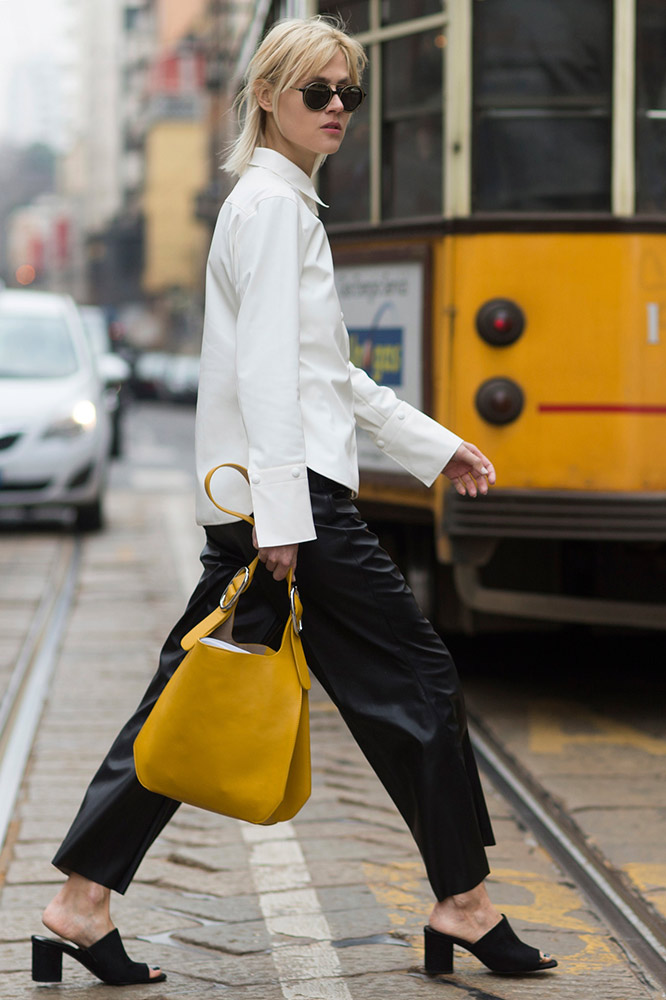 5 xu hướng thời trang tiếp tục được yêu thích & 5 xu hướng trở nên lỗi thời năm 2017