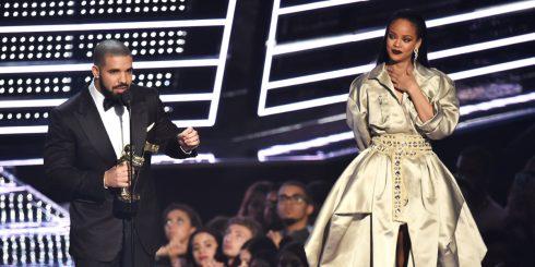 Drake & Rihanna tại VMA 2016