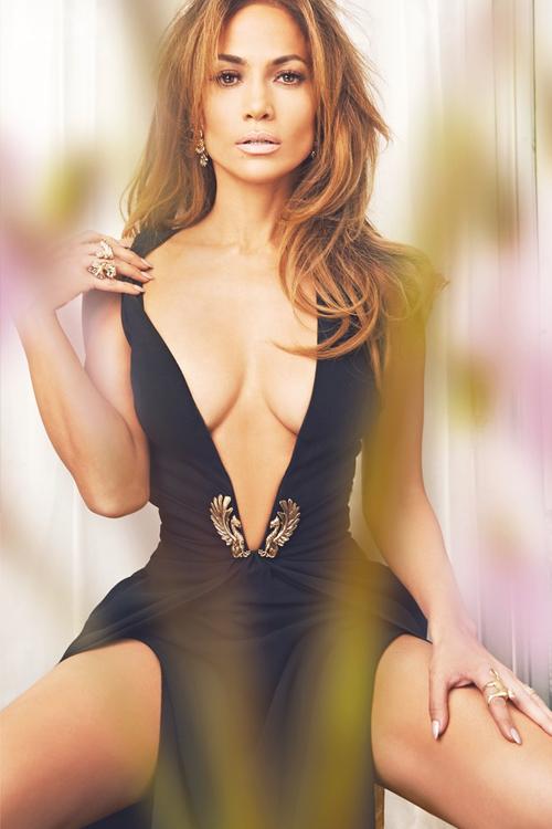 Jennifer Lopez là bạn gái mới của Drake, người tình cũ của Rihanna