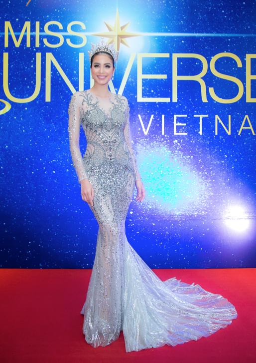 Phạm Hương rạng rỡ tại lễ công bố cuộc thi Hoa hậu Hoàn vũ Việt Nam 2017