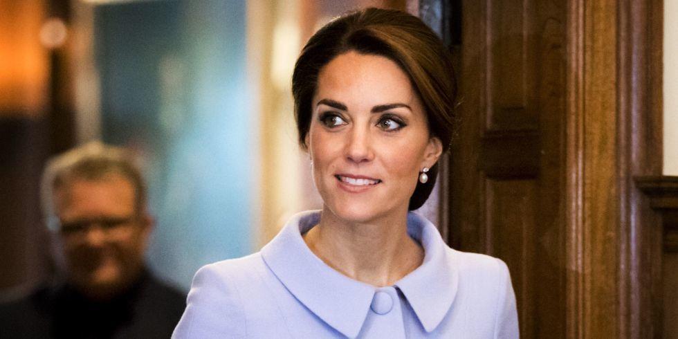 Cùng điểm lại 15 khoảnh khắc đáng nhớ nhất trong năm 2016 của gia tộc Hoàng gia Anh - 12