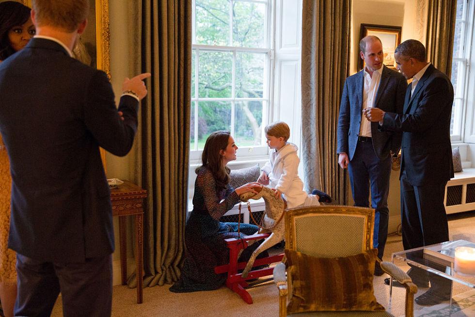 Cùng điểm lại 15 khoảnh khắc đáng nhớ nhất trong năm 2016 của gia tộc Hoàng gia Anh - 03