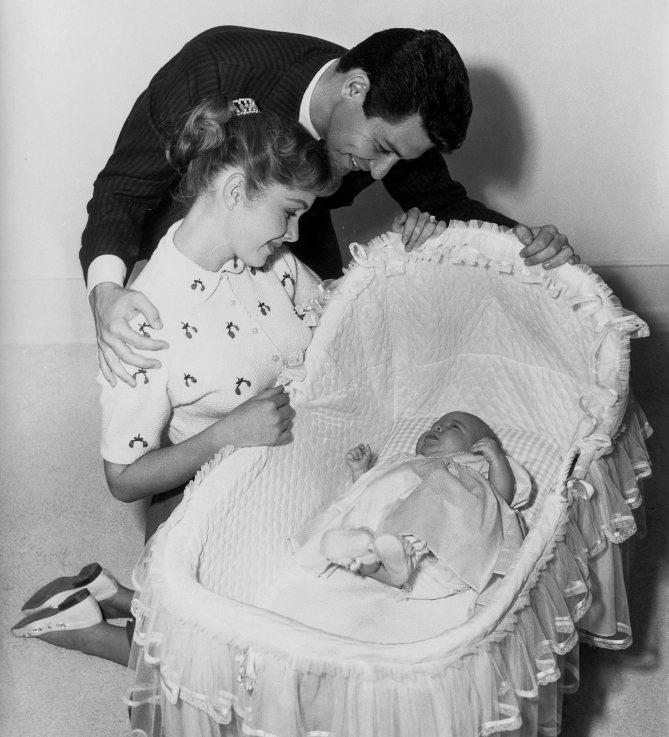 Hai mẹ con Debbie Reynolds và Carrie Fisher - 02