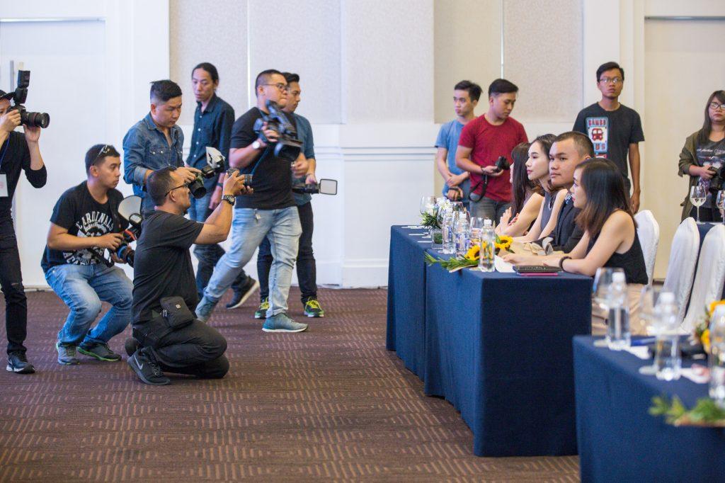 """Nhà nghệ thuật - nhà thiết kế Quỳnh Paris lần đầu tiên tổ chức show thời trang nghệ thuật """"Dèja Vu"""" đánh dấu 5 năm về nước và làm việc tại Việt Nam - 02"""