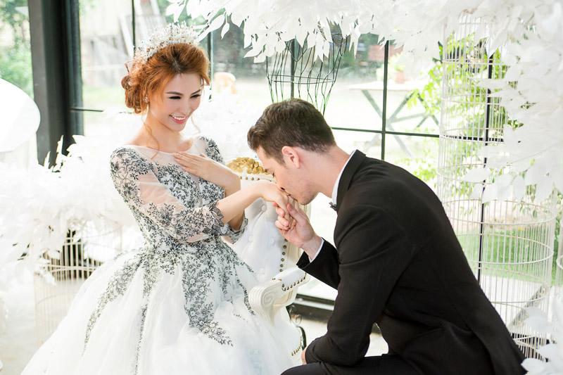 %C4%91%C4%83ng k%C3%BD k%E1%BA%BFt h%C3%B4n 4 elle vietnam Lấy chồng Tây & những thủ tục đăng ký kết hôn cần phải biết