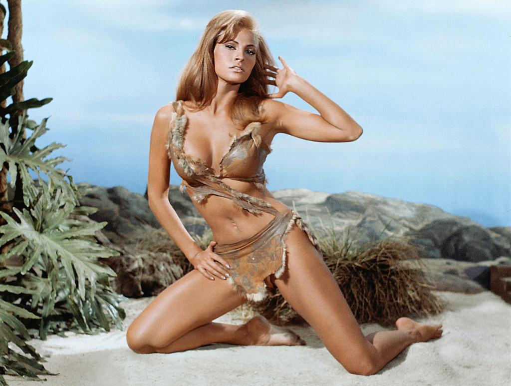 Biểu tượng sắc đẹp Hollywood Raquel Welch