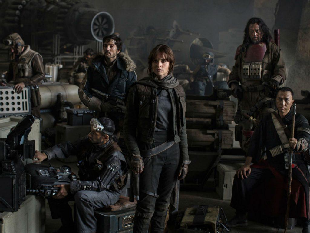 Nữ diễn viên Felicity Jones trong Rogue One: Star Wars ngoại truyện.