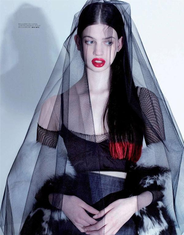 vẻ đẹp đạc biệt của làng thời trang Lily McMenamy