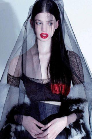 """9 vẻ đẹp """"đặc biệt"""" tạo sự sống động cho làng thời trang thế giới"""