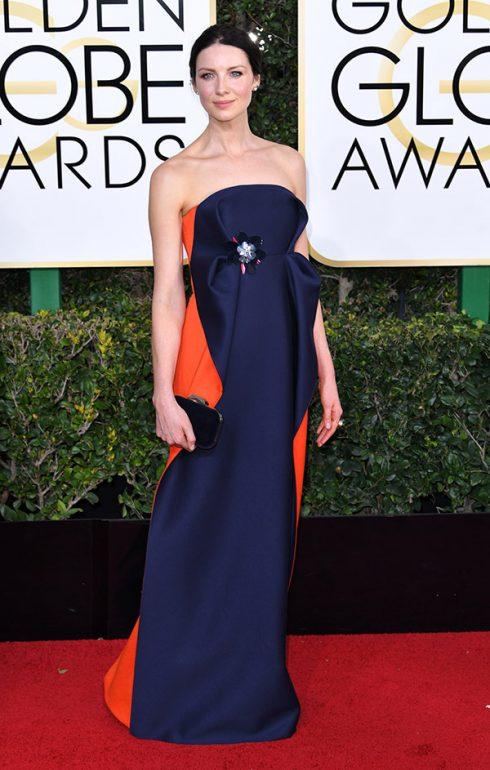 Caitriona Balfe mặc váy Delpozo