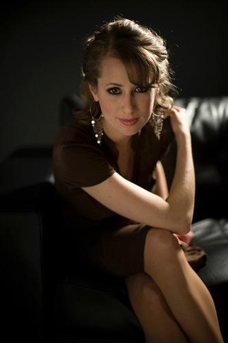 Nữ danh ca nhạc jazz Michele Kaye biểu diễn tại Le Club