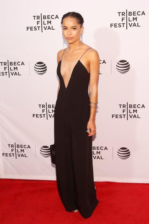Trong bộ suit ánh kim của Off-White tại CFDA/Vogue Fashion Fund Gala tháng 11.