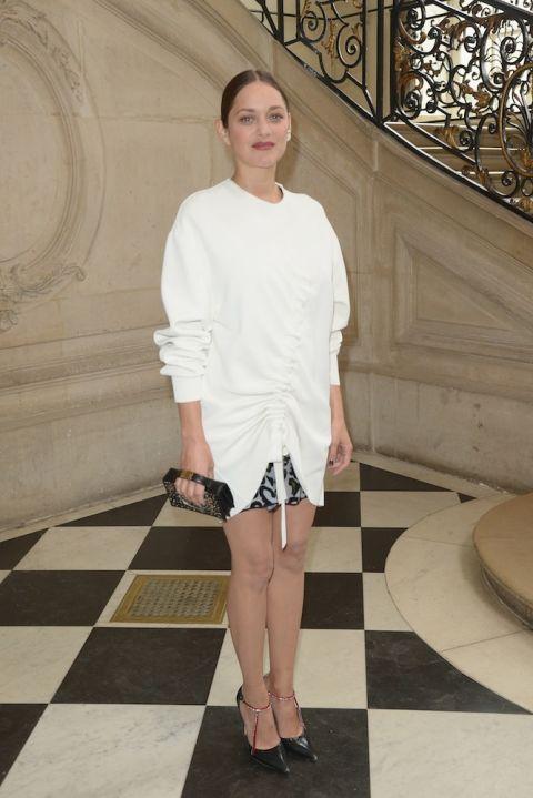 Trong trang phục của Dior tại show diễn của nhãn hàng thuộc khuôn khổ Tuần Lễ Thời Trang Pháp tháng 9 vừa qua