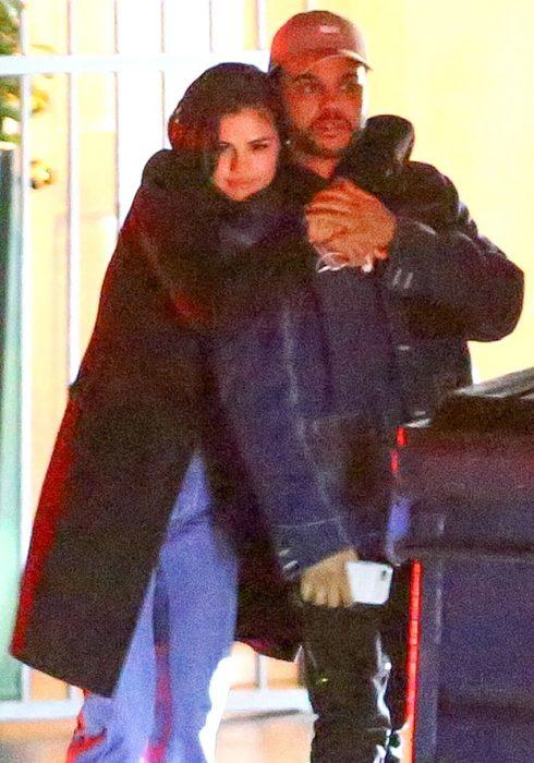 Selena Gomez lộ ảnh hẹn hò với The Weeknd 1