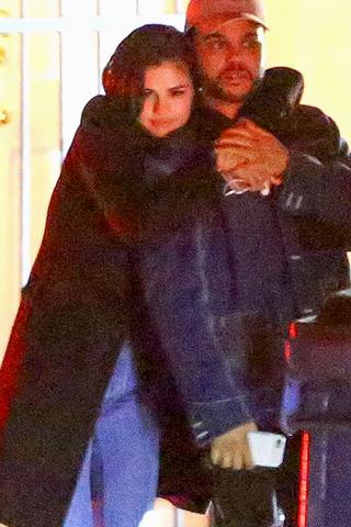 Selena Gomez lộ ảnh hẹn hò với The Weeknd