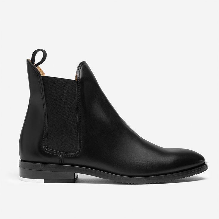 5 kiểu giày thời trang ứng dụng cao mà nàng nào cũng phải có: Chelsea Boots